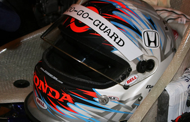 IndyCar Champion Dan Wheldon dies in car crash at 33