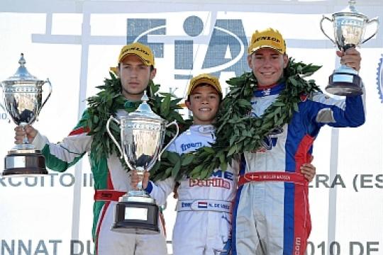 De Vries grabs World Championship win