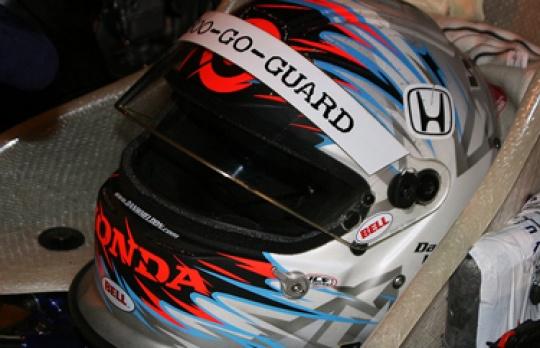 IndyCar Champion Dan Wheldon dies in car crash at 33