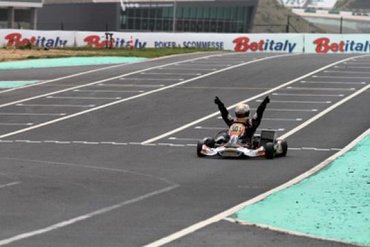 CRG dominates the WSK of Portimao thanks to Verstappen in KF3. Also Kozlinski in KZ1 and Fraga in KZ2 on the podium