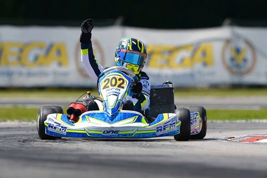 Ilott and Ahmed are the first European winners of the 2014 season