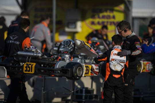 A contact puts an end to the team's podium hopes for the Winter Cup