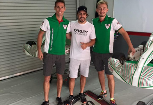 Alonso ends troubled F1 season on a kart