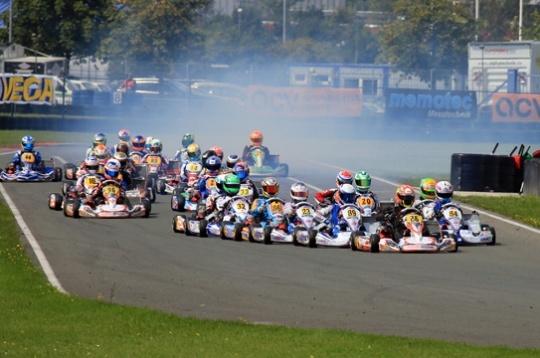Even DKM race in Oschersleben