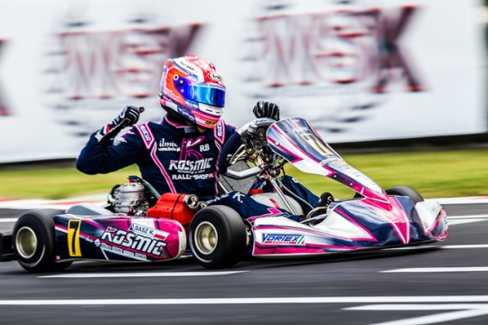 Basz crowns fantastic weekend with the World title