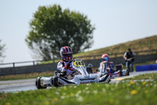 Maya Weug competitive but unlucky in the first round of the FIA European Championship