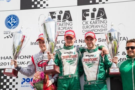 Camponeschi superb, Hanley on podium in Sarno