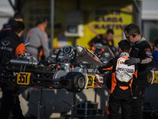 A contact puts an end to the team's podium hopes for the Winter Cup.