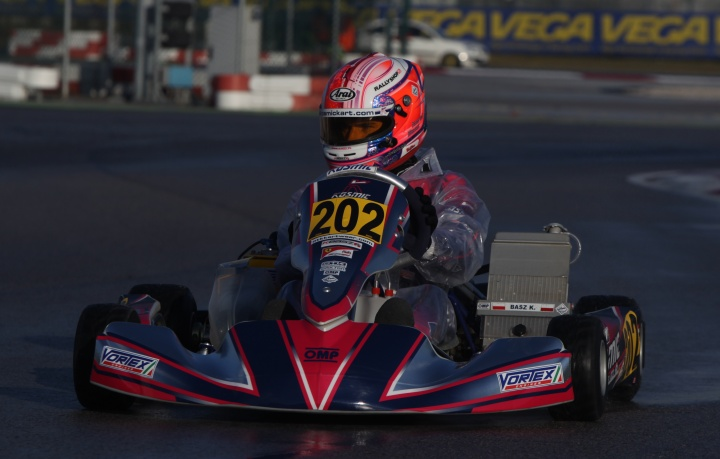 THE WINNING KOSMIC KART