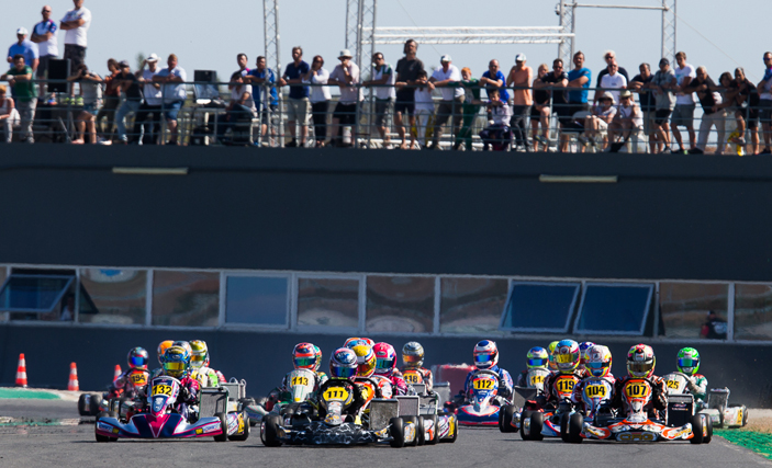 Marta Garcia leads the third round in Portimao