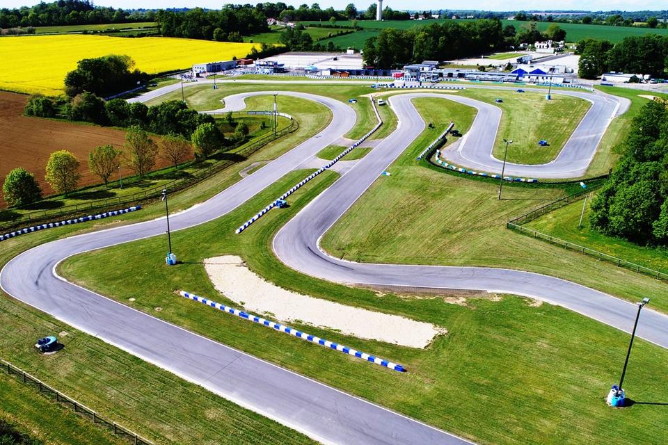 FIA Karting European Championship, Essay - Camara and Slater on pole position