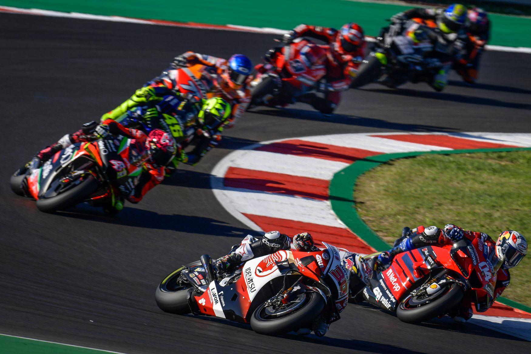 MotoGP riders prepare their season on karts!