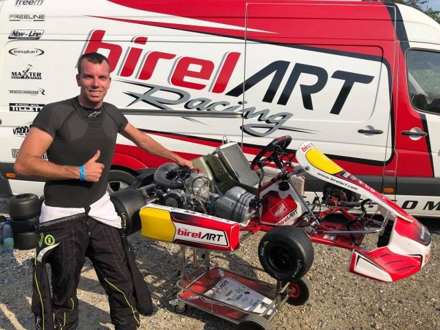 Thonon with Birel ART KSW in Genk, the background
