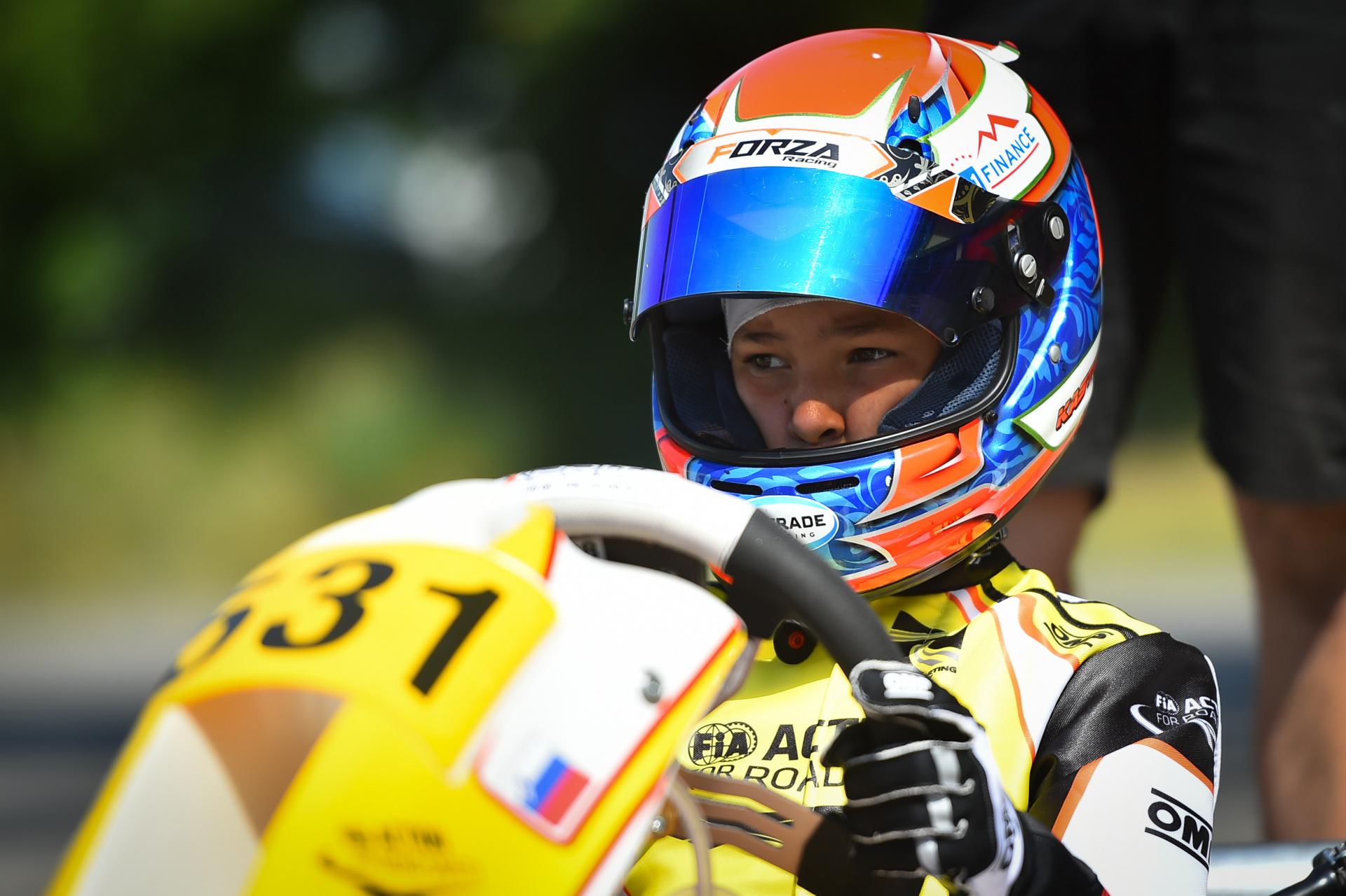 Mark Kastelic fights at Wackersdorf circuit