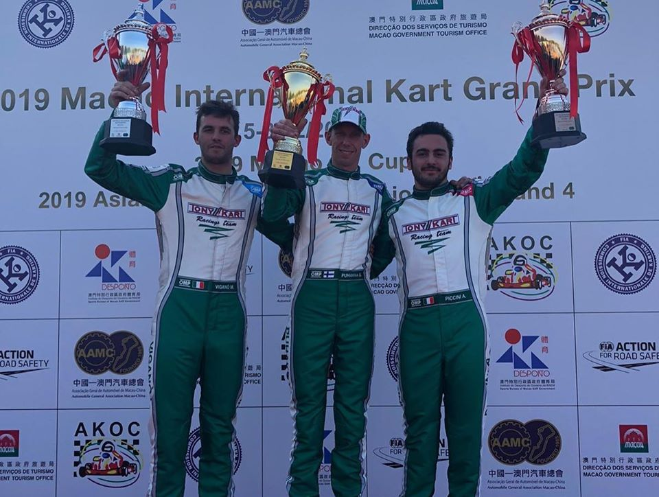 "Macau GP - Tony Kart ""poker"" in KZ"