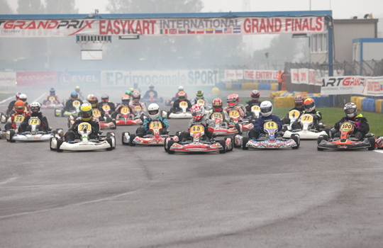 Flying on water in the Easykart final in Castelletto
