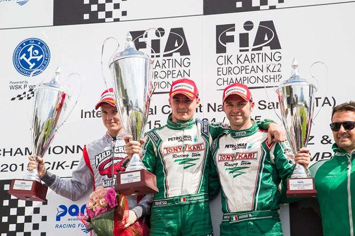 Camponeschi superb, Hanley on podium in Sarno